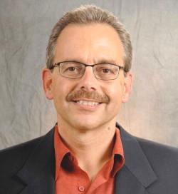 Dr. Manuel Pastor :